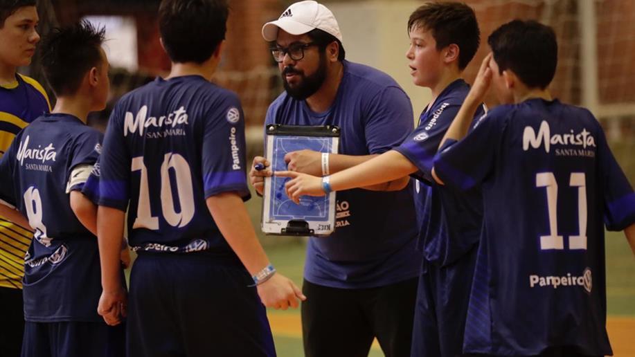 As atividades são trabalhadas com foco na aprendizagem de valores, no espírito de equipe, liderança, convivência e amizade