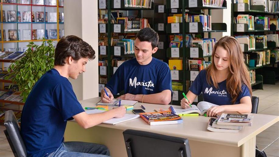 A Biblioteca Ir. Daniel conta com um acervo diversificado e informatizado.