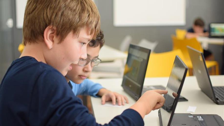 Edudantes aprendem através da plataforma educacional Matific