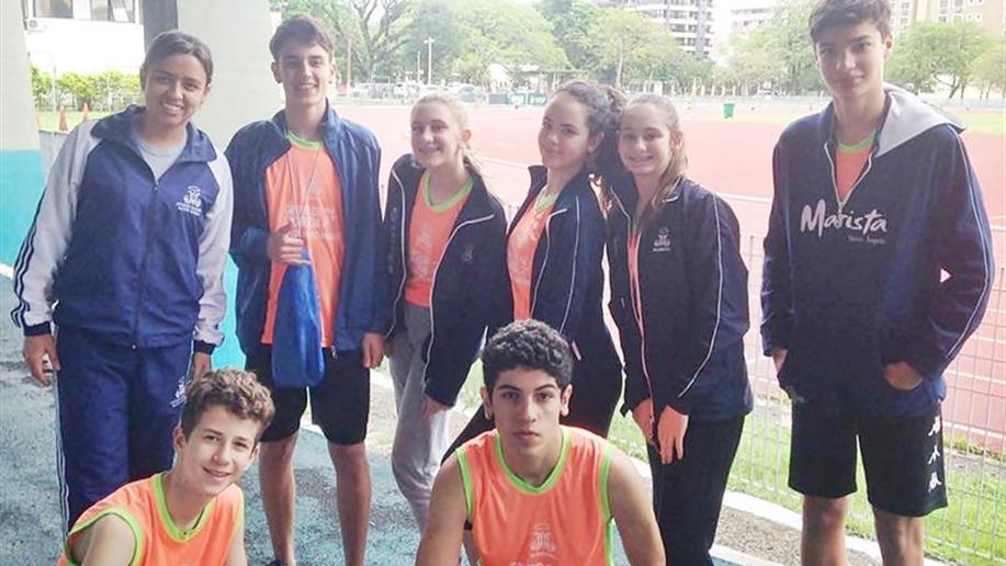 O estudante Henrique Schommer ficou em 1º lugar na categoria 1000 metros rasos e estará na etapa nacional.