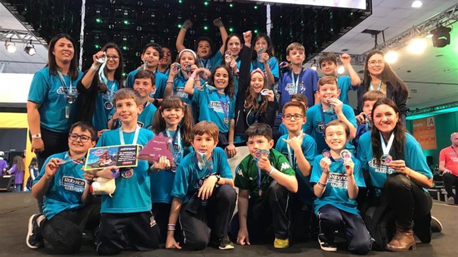 21 crianças integraram a equipe campeã da modalidade Cidade-Laboratório do Festival Marista de Robótica