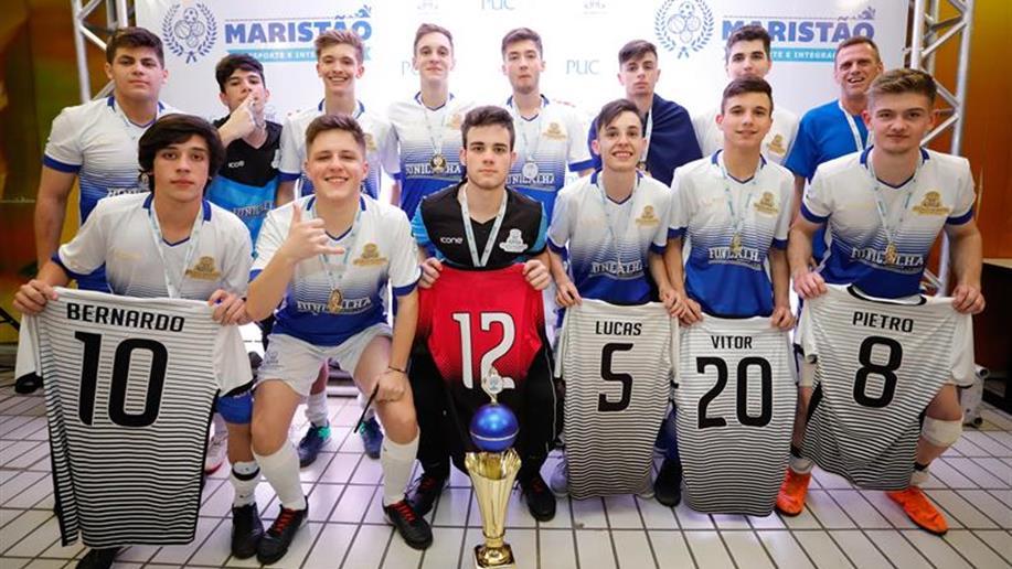 Com um gol na prorrogação, equipe de Futsal sagrou-se campeã na modalidade Juvenil do Maristão.