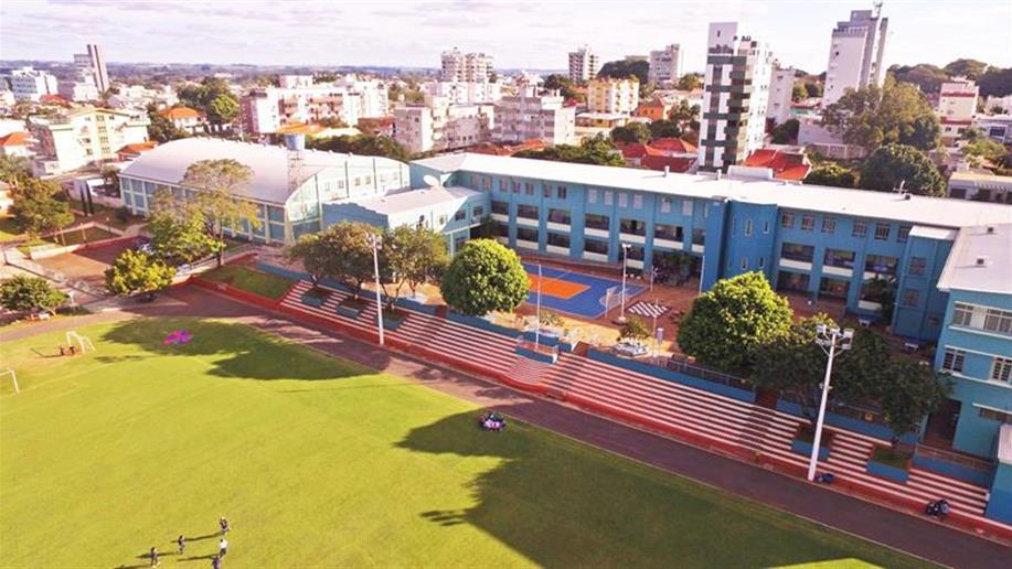 O Colégio Marista Santo Ângelo dispõe de uma área de mais de 15 mil metros quadrados, que contempla muitos espaços e ambientes de aprendizagem, no quais os estudantes podem interagir, conviver e adquirir novos conhecimentos.