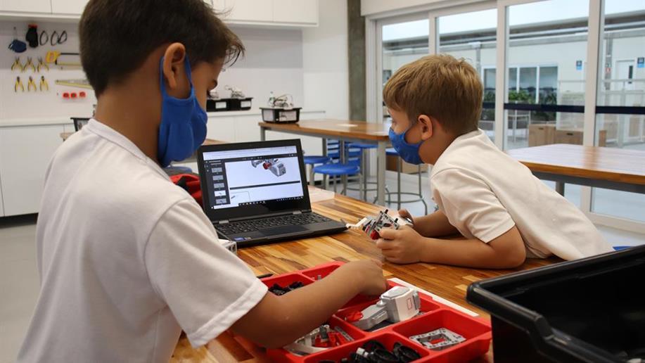 A Robótica Educacional está presente em nosso currículo, da Educação Infantil ao Ensino Médio