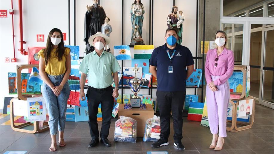 Além de contemplar 5 entidades beneficentes, parte das cestas básicas foram doadas à Secretaria de Assistência Social