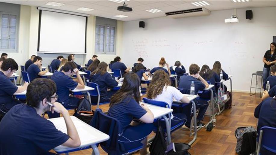 Aplicação do questionário do Sistema Marista de Avaliação aos estudantes do 5º e 9º ano do Ensino Fundamental.