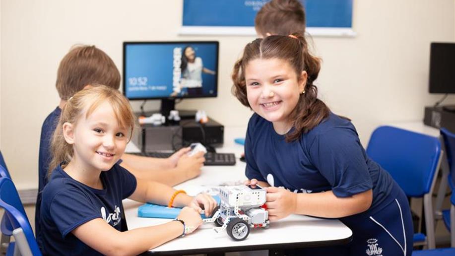 Confira a atividade extraclasse de robótica, oferecida pelo Colégio Marista São Francisco.