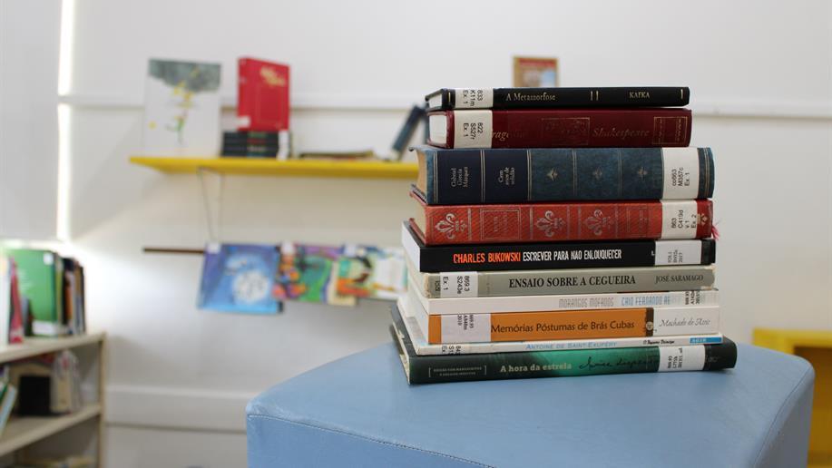 Confira o passo a passo para retirada de livros