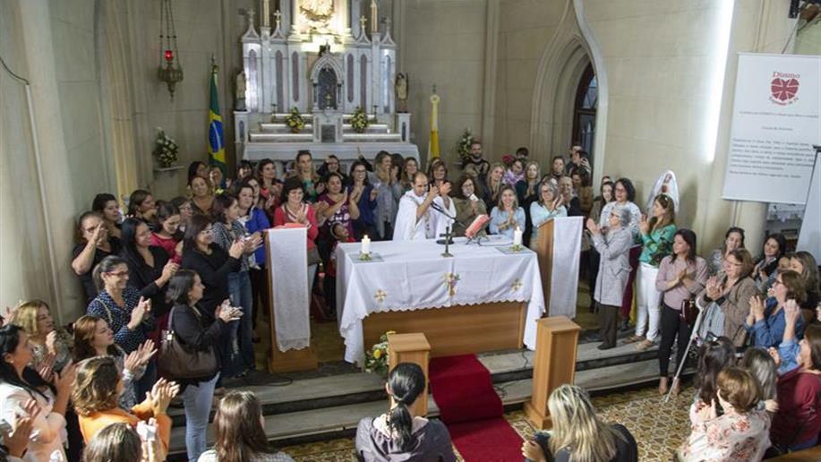 Neste sábado, 12/05, foi realizada a Missa das Mães, celebrada pelo Frei Paulo, no Santuário Nossa Senhora de Fátima.