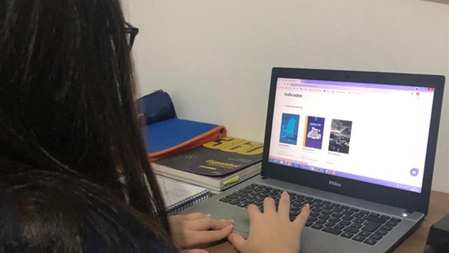 As plataformas digitais são recursos inovadores que auxiliem no desenvolvimento das competências e habilidades de nossos estudantes.