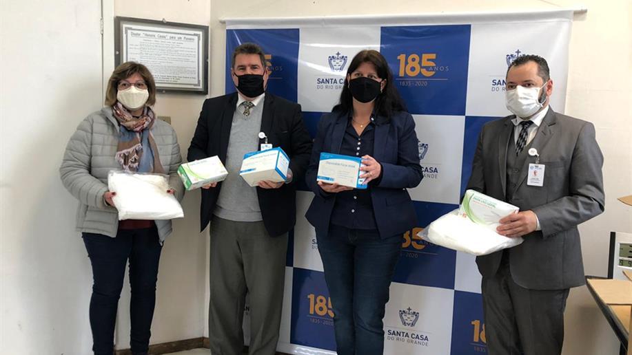 Na semana em que comemora seus 57 anos de fundação, a Associação doou equipamentos de proteção individual para o Complexo Hospitalar