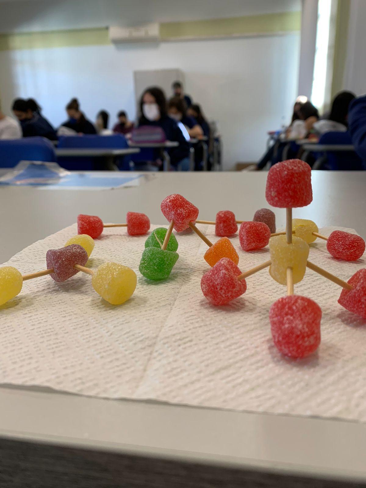 Ensino Médio elaboraram, em 3D, as formas geométricas