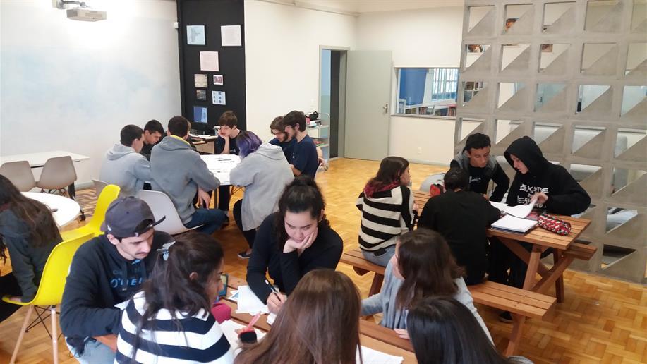 Estudantes reforçaram o estudo da tabela períodica